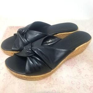 THE FLEXX SHOE, BLACK. Size 9B.